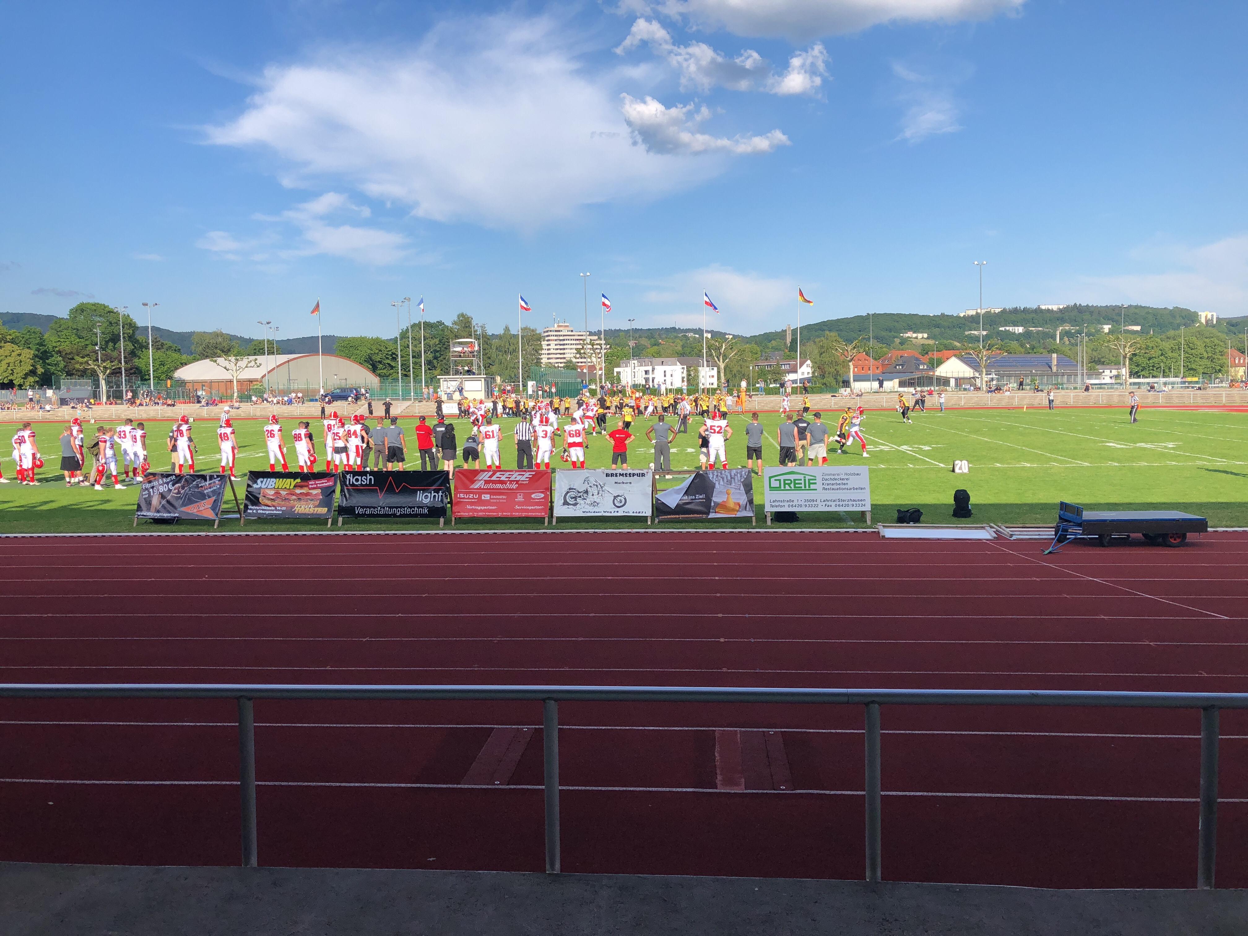 Ein Überblick über das Spielfeld während die Munich Cowboys in Marburg spielen.